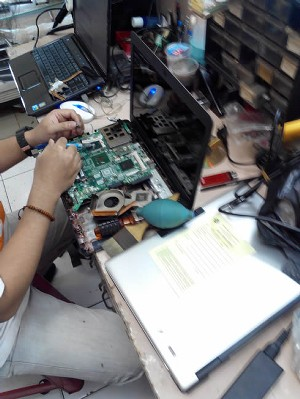 Mainboard repair 3