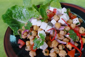 Resep Salad: Chickpea Salad with Tomatoes