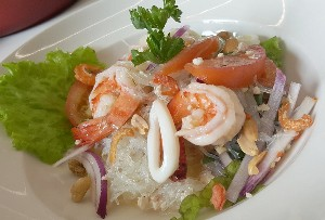 Resep Mie: Glass Noodle Salad with Chicken and Shrimp