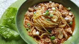 Resep Sahur: Spaghetti Kuah Ayam Pedas