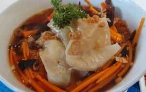 Resep Sup: Dumpling Ayam Kuah Pedas